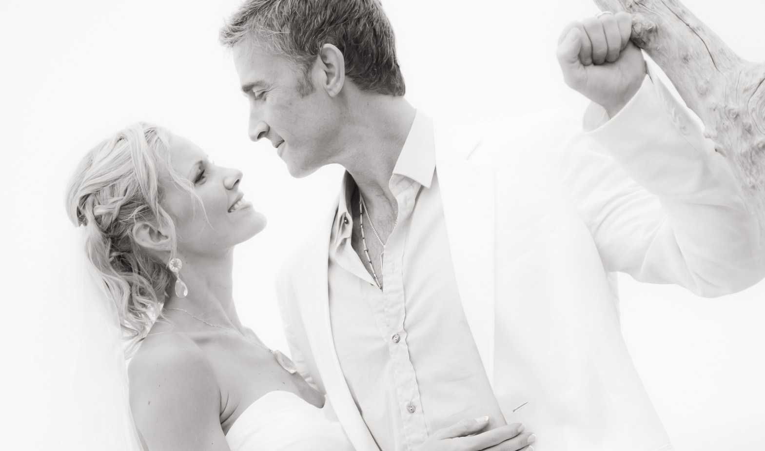 Jacqueline+Tyler Santa Barbara Wedding featured slider image