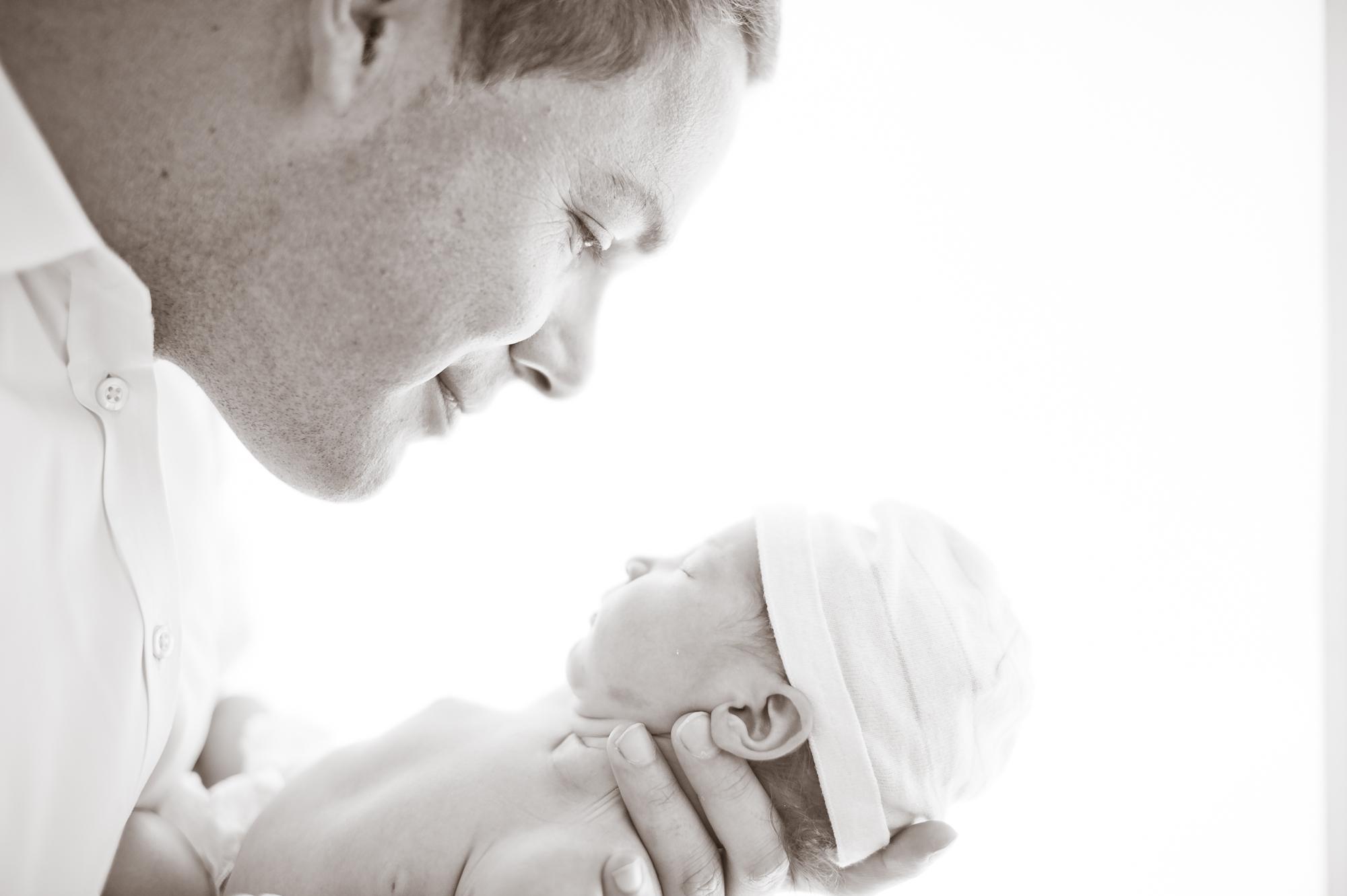 Meet Samantha – Manhattan Beach Newborn Photography featured slider image