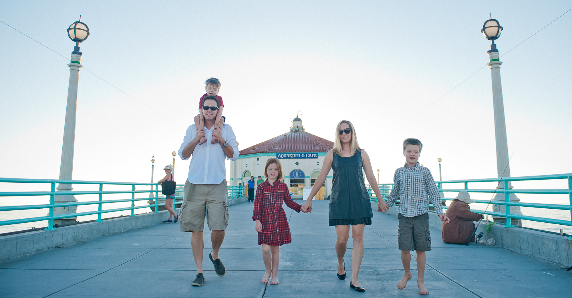 The Slussers – Manhattan Beach Family Portrait featured slider image