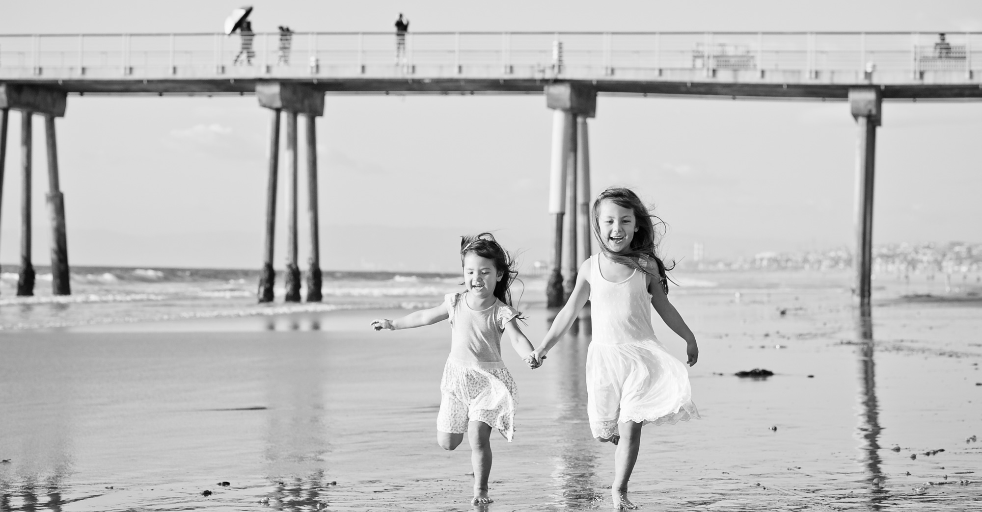 The Kim Family Hermosa Beach Family Photography featured slider image