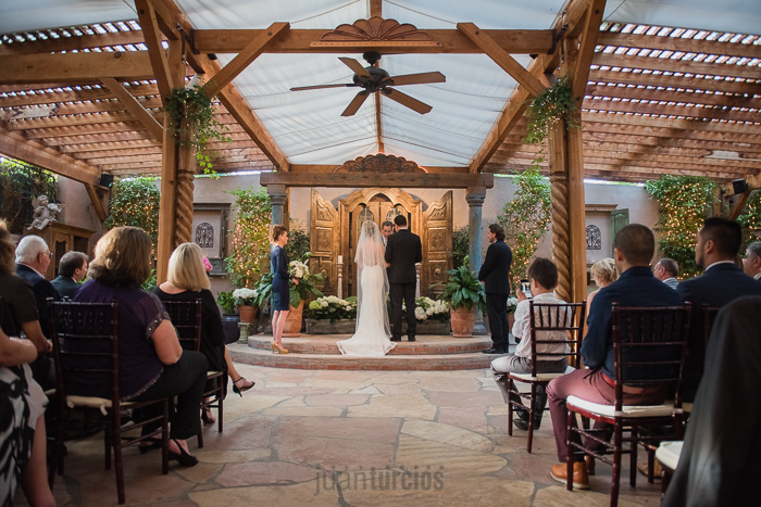 Lauren christian s tivoli terrace wedding juan turcios for Terrace wedding